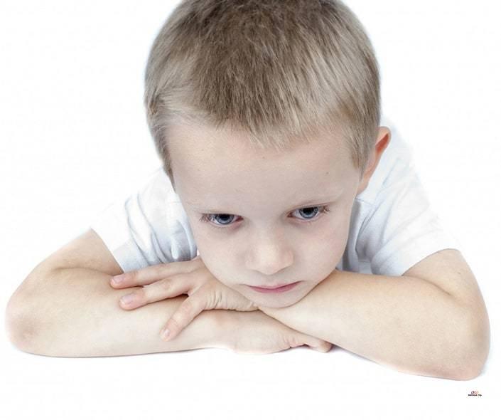 Image of sad blonde boy