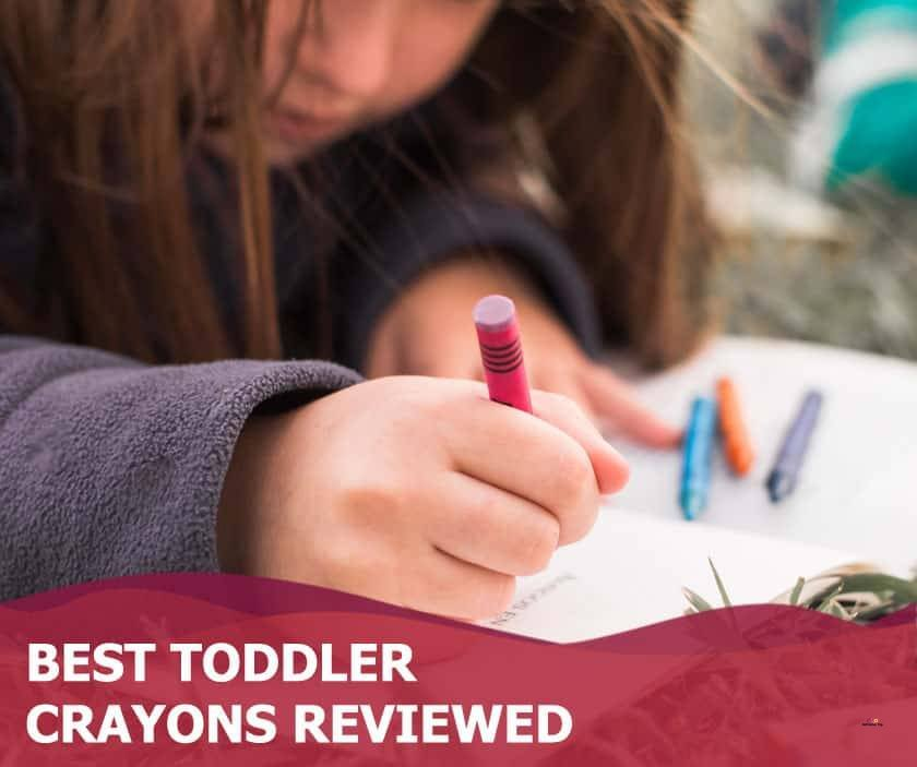 Featured image of girl drawing with crayons on grass